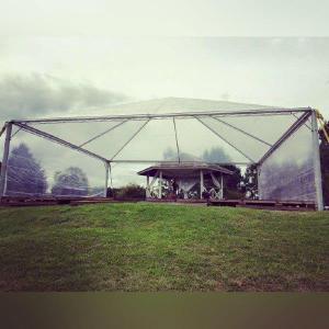 Locação de tenda piramidal